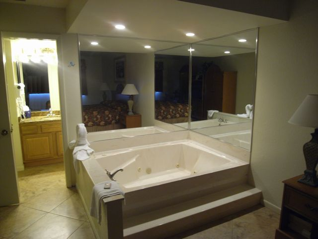 Bedroom Jacuzzi Tub